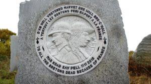 Aux Bretons morts par la France