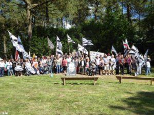 Les participants à la commémoration annuelle..