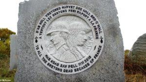 Sculpture à la mémoire des Bretons morts par la France